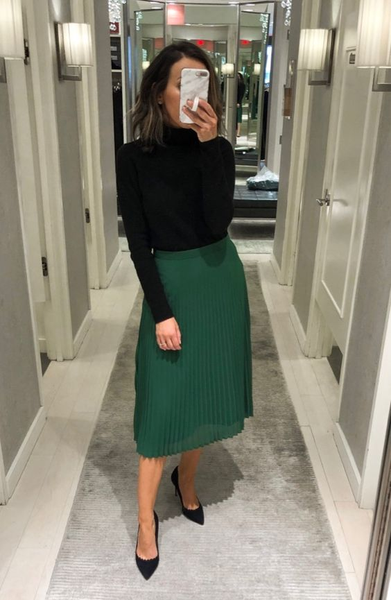 pleated skirt with knitwear